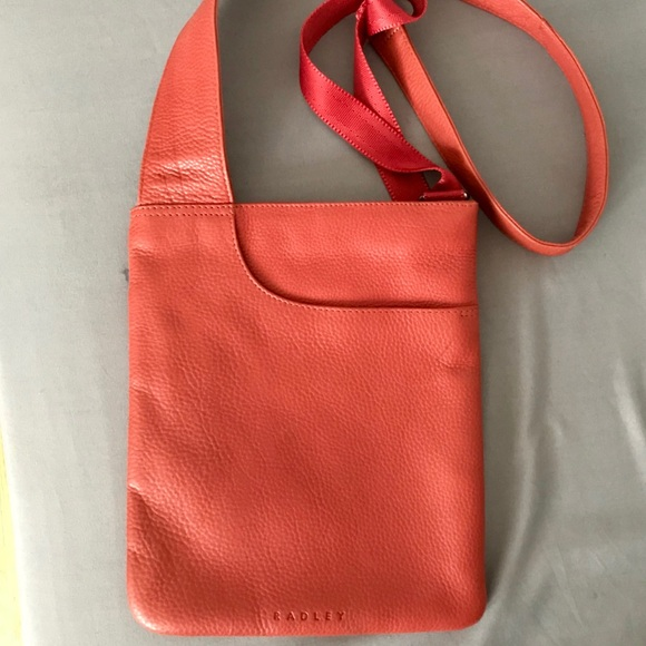 Radley London Medium Zip-Top Leather Crossbody Bag 9c22e4daecc43